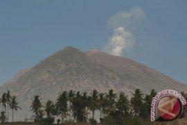 Pemprov Jatim Siapkan 850 Ribu Masker Antisipasi Dampak Gunung Agung