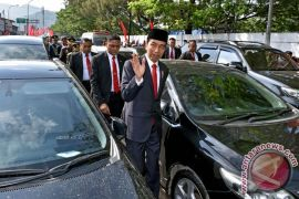 Kemarin Presiden hadiri HUT TNI, Kazuo Ishiguro raih Nobel, pacar penembak Las Vegas buka suara