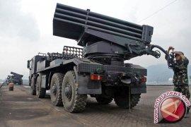 TNI unjuk kekuatan alutsista terbaru