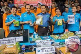 BNN amankan sabu dalam kemasan teh China, tembak tersangka