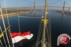 KRI Bima Suci Lintasi Terusan Suez
