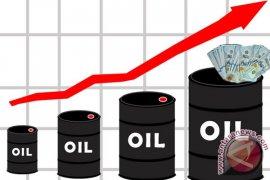 Minyak naik tertinggi dua bulan didorong harapan pemangkasan OPEC