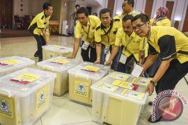 Di Padang, berkas pendaftaran 10 parpol lengkap, Perindo belum