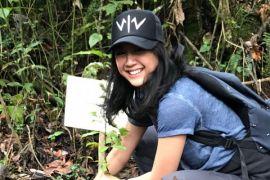 Pemain Wiro Sableng tanam 212 pohon di Kawah Putih