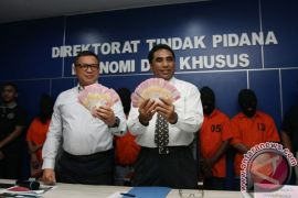 Lima anggota sindikat uang palsu dibekuk