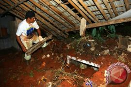 Longsor tewaskan seorang mahasiswi STT Sangkakala