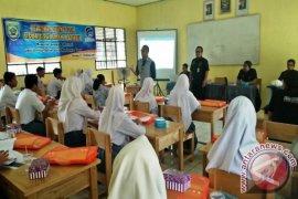 Kominfo Balangan Tantang Para Pelajar Untuk Berkarya Lewat Tulisan