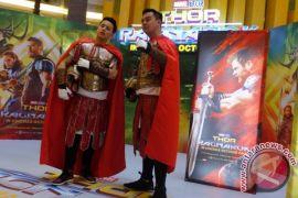 "Chandra Liow tak sabar nonton ""Thor: Ragnarok"""