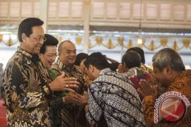 "Ribuan warga Yogyakarta hadiri \""open house\"" Sultan"