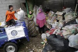 "691 bank sampah Kota Bekasi ""mati suri"""