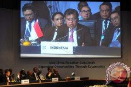 Wakil Presiden M Jusuf Kalla menunaikan ibadah Umrah