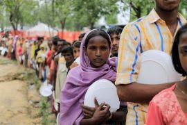 Pengungsi Rohingnya tinggal di penampungan setibanya di Myanmar