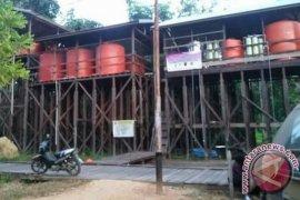 Warga Penawai Kubar Nikmat Air Bersih Pamsimas