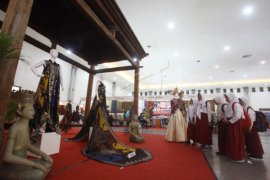 Festival Batik To The Moon