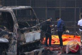 Polisi Masih Cari 10 Pekerja Gudang Petasan Terbakar