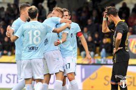 Lazio hantam Benevento 5-1