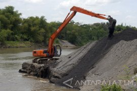 Evaluasi Dampak Lingkungan, Dinas Pengarian Tinjau Sungai Brantas