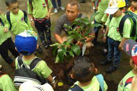 Kebun Binatang Bandung kini punya Zoo Educator
