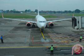 Bandara Adi Soemarmo tutup tiga jam