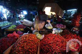 Pasar tradisional di Sampit ramai pembeli jelang Natal