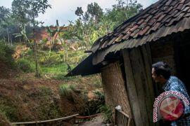 Bencana tanah longsor melanda Garut