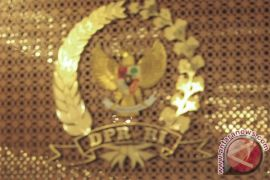 RALAT - Anggota DPR usulkan perubahan usia petugas KPPS