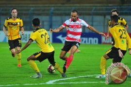 Madura United taklukkan Barito Putra 3-1