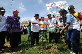 Oesman Sapta : masyarakat Poso rindu pembangunan dan kesejahteraan