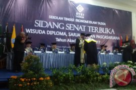 STEI Tazkia Wisuda 363 Lulusan Terbaiknya (Video)