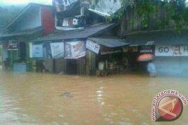 Kecamatan Simpenan Sukabumi Dilanda Banjir Dan Longsor