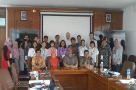 Departemen Agribisnis FEM IPB Inisiator Summer Course Budidaya Kelapa Sawit