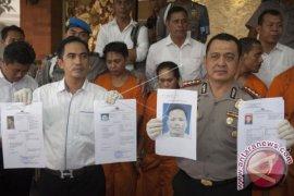 Polisi Sebar Foto Anggota DPRD Bali Buronan Narkoba