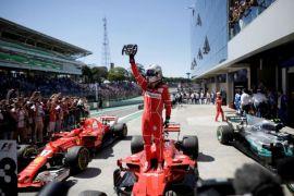 Vettel kalahkan dua Mercedes untuk juarai GP F1 Bahrain