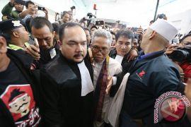 Pendukung Buni Yani membludak di ruang sidang