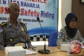 Polda Bali kampanyekan regulasi transportasi daring