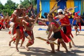 """Pementasan teater """"Bawi Lamus""""  angkat tradisi suku Dayak"""