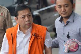 Pengacara: pemeriksaan kedua Setya Novanto ditangguhkan karena sakit