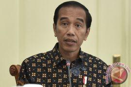 Presiden Jokowi gunakan helikopter menuju Bandara Silangit