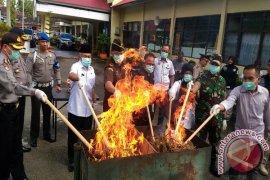 IPOL: Kader Murni di Pilkada Jatim Minim