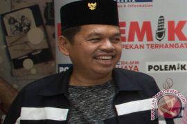 Dedi Mulyadi mengamen di warung soto di Yogyakarta