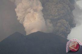 BNPB imbau warga jauhi sungai berhulu di Gunung Agung