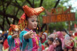Padang perkuat tradisi Minangkabau