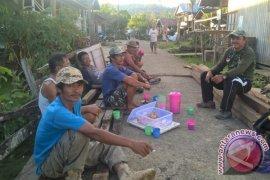 Long Bagun Ilir Mahulu Bangun Pasar Desa