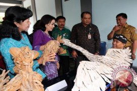 K3S Denpasar serahkan alat bantu siswa disabilitas