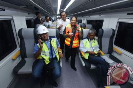 Menteri BUMN jajal kereta bandara sebelum diresmikan