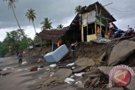 Abrasi ancam permukiman warga di Pulau Moti, Ternate