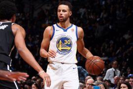 Stephen Curry antar Warriors atasi Nets