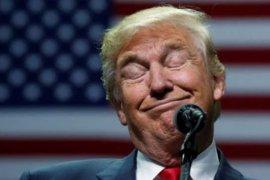 """Trump mengeluh kepada CEO Twitter karena kehilangan """"follower"""""""