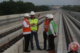 Tinjau Pembangunan LRT Palembang