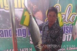 Bandeng 7,7 Kilogram Juarai Kontes Bandeng Kawak Sidoarjo